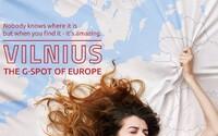 """Vilnius je """"bod G Európy"""": Kontroverzná kampaň pomohla zvýšiť počet turistov, pri propagácii atrakcií používa dvojzmyselné narážky"""