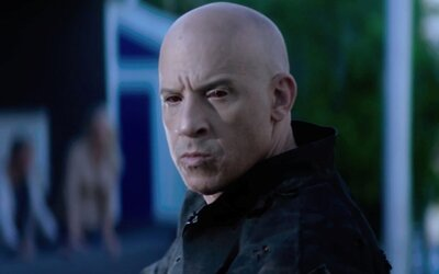 Vin Diesel je Bloodshot. V akčnom traileri mu odstrelia tvár, no nanoboti ho uzdravia a on zabíja ďalej