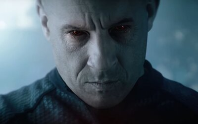 Vina Diesela nedokážu zabiť. Ako Bloodshot sa dokáže regenerovať aj po zásahu brokovnicou do tváre a je ultimátnym zabijakom