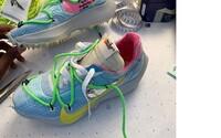 Virgil Abloh predstavil na parížskom týždni módy tenisky zo spolupráce Off-White a Nike