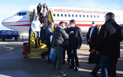 Vitajte na Słowacji, zdravil premiér Igor Matovič desiatky poľských zdravotníkov. Prišli pomôcť s plošným skríningom