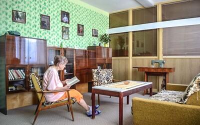 Vítkovická nemocnice zřídila retro pokoj ve stylu 60. let. Seniorům se tu vrací paměť a jsou spokojenější