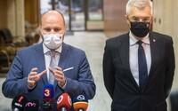 Vláda Igora Matoviča vydrží ešte tri roky, vyhlásil minister obrany Naď. Na predčasné voľby vraj môžu ľudia zabudnúť