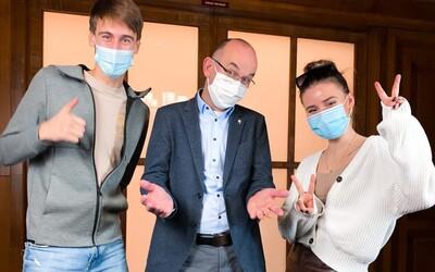 Vláda si zřídila TikTok, kde bude vystupovat Anna Šulc. Za propagaci zaplatila 500 000 korun