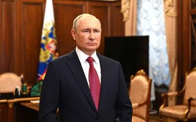 Vladimír Putin je zaočkovaný Sputnikom V. Prezradil to v televíznej relácii