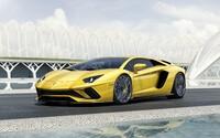 Vlajková loď Lamborghini prošla modernizací. Nový Aventador S má až 740 koní a natáčení zadních kol!
