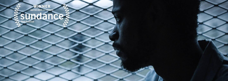 Ve vězení si odseděl 21 let za vraždu, kterou nespáchal. Jeho nejlepší kamarád ztratil manželku i majetek, aby dokázal jeho nevinu