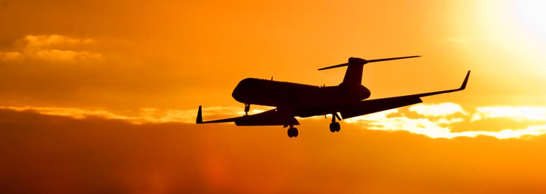 Ve vzduchu byl historicky největší počet letadel. Nad zemským povrchem se v jeden moment pohybovalo 202 157 strojů