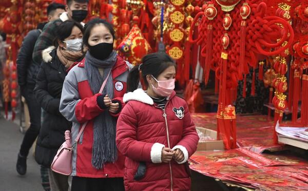 Vo Wu-chane zomrel doktor, ktorý sa nakazil čínskym vírusom. Podľahlo mu už 41 ľudí