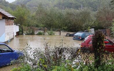 Voda v obci Jezersko strhla mladého muža, záchranári ho našli mŕtveho. Slovensko ničia záplavy a predpovede sú naďalej nepriaznivé
