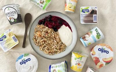 Vodová katastrofa bez chuti, ale tiež príjemný rastlinný jogurt. Testovali sme 12 vegánskych jogurtov