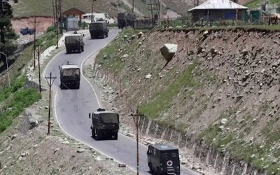 Vojáci Číny a Indie se dostali do potyčky s kameny a bambusovými holemi. Zemřelo nejméně 20 lidí