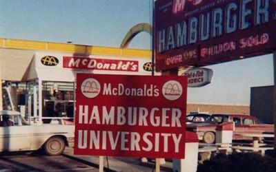 Vojaci inšpirovali McDonald's k tomu, aby otvoril prvé drive-thru. Dnes patrí k životnému štýlu mnohých z nás