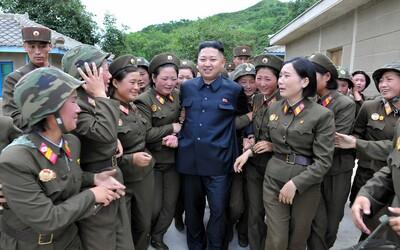 Vojačky v Severní Koreji přestávají kvůli děsivým podmínkám v armádě i menstruovat. Ničím výjimečným nejsou ani znásilnění