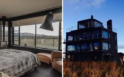 Vojenská věž z druhé světové je hitem Airbnb. Letecká základna se změnila v útulné bydlení