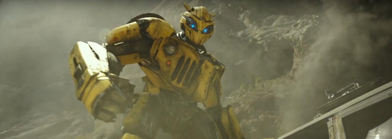 Vojnou poznačený Bumblebee sa prebúdza v prvej ukážke z vlastného Transformers filmu. Problémy si ho nájdu aj v rokoch osemdesiatych