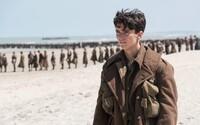 Vojnový Dunkirk od Christophera Nolana láka na očakávanú premiéru a posiela ďalšiu intenzívnu ukážku prešpikovanú skvelými zábermi