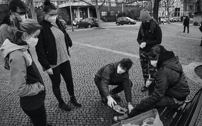 Vojta Král z Mediků na ulici: Naše činnost není tak náročná a může mít obrovský dopad na kvalitu životů lidí bez domova (Rozhovor)