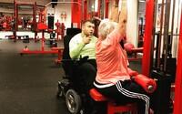 Vozíčkar s mozgovou obrnou sa stal osobným trénerom. Vo vlastnej posilňovni pomáha najmä seniorom