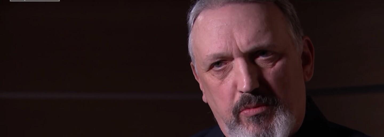 Vlivný představitel neonacistické scény přiznal, že je gay a má židovské předky. Teď se chce extremistům pomstít