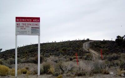 Vraj sú tam mimozemšťania aj elitné lietadlá. Ľudia chcú vtrhnúť do Area 51, najtajomnejšej americkej základne