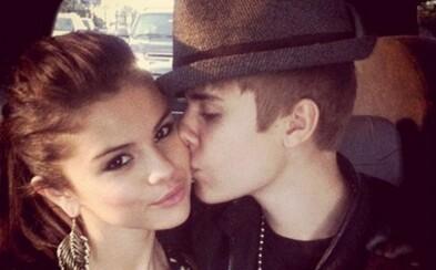 Vrátila sa už Selena Gomez k Justinovi Bieberovi? Paparazzi ich nachytali aj ruka v ruke na romantickej prechádzke