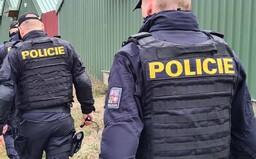 Vražda u Protivína: U ohořelého BMW se našly části těla mladé ženy. Policie zadržela podezřelého z vraždy