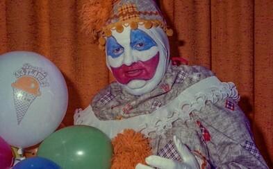 Vraždící klaun Gacy: Nový dokument ukáže děsivé interview sériového vraha, který zabil desítky mladých chlapců