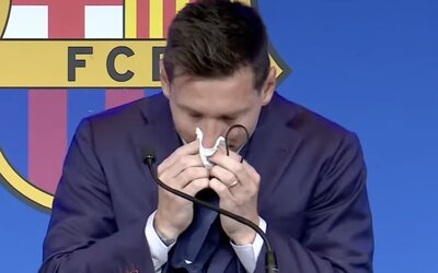 Vreckovka, ktorou si Messi pri rozlúčke s FC Barcelona utieral slzy, je na predaj. Stojí viac ako luxusný byt v centre Bratislavy
