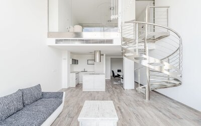 Vstúp s nami do 500-tisícového bývania s vlastným schodiskom na brehu Dunaja