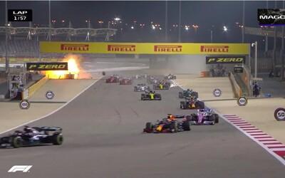 Výbuch jako z hororu: Závody F1 odstartovaly děsivou explozí monopostu Romaina Grosjeana