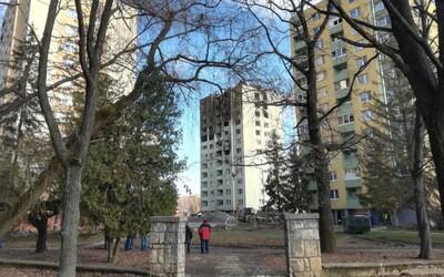 Výbuch plynu v Prešove: Demolácia bytovky sa začína, na ceste je český špeciál, ľudia poslali poškodeným už dva milióny