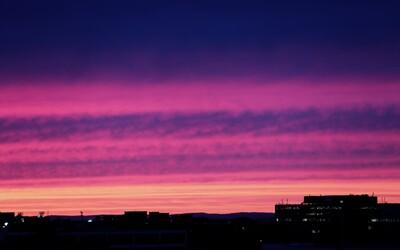 Výbuch sopky v Rusku spôsobil fialové sfarbenie oblohy po celom svete