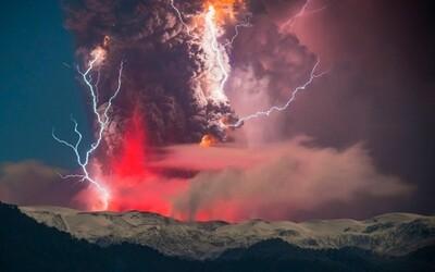 Vychutnajte si unikátne fotografie vulkanickej erupcie ako z filmu
