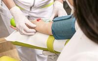 Vydělej až 18 200 Kč a udělej dobrou věc. Darovat krevní plazmu můžeš i ty
