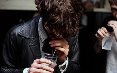 Vydržíš měsíc bez alkoholu? Nejenže budeš více fit a ušetříš peníze, ale můžeš taky předejít problémům se závislostí