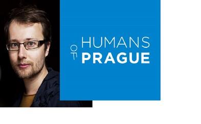 Vyfotil přes 1400 tváří, slyšel i ty nejbolestnější příběhy a získal Magnesii Literu. Jak vypadá práce na blogu Humans of Prague?