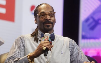 Vykouří Snoop Dogg 81 jointů denně? Stálo by ho to 100 tisíc dolarů ročně, většina uživatelů si nepamatuje, kolik spotřebuje