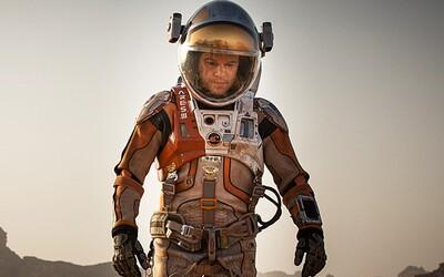 Vypěstuje Matt Damon v The Martian od Ridleyho Scotta na Marsu rostliny a zachrání se?