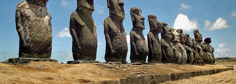 Vyriešili jednu zo záhad Veľkonočného ostrova. Ako ľudia manipulovali s klobúkmi sôch?