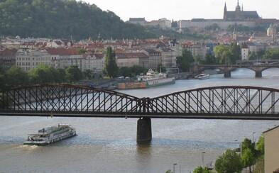 Vyšehradský železniční most bude zdemolován. Dominantu prý nahradí historickou replikou