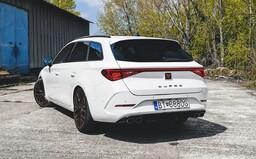 Vyskúšali sme najrýchlejšie nové auto za 40-tisíc €. Aký je 310-koňový Leon Sportstourer od Cupry?