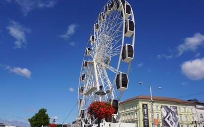Vyskúšali sme si vyhliadkové koleso pri Dunaji: Koľko trvá jazda, ako dlho bude koleso na nábreží a oplatí sa vôbec vyskúšať ho?