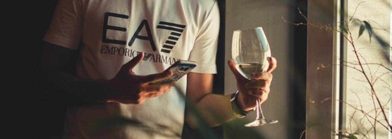 Výživový poradca: Pitie alkoholu nemá pre naše zdravie žiaden benefit. Dajte si na to počas karantény pozor (Rozhovor)