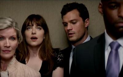 Vyzleč si nohavičky Anastasia, alebo keď to na pána Graya príde priamo vo výťahu. Sledujte novú porciu šteklivých ukážok z Pätdesiat odtieňov temnoty