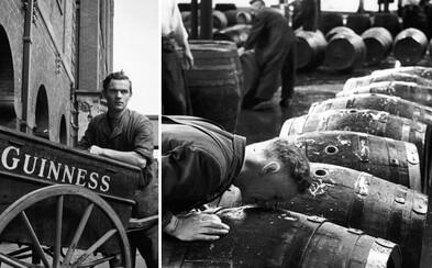 Vzácný pohled do zákulisí tradiční výroby piva Guinness. Záběry z 50. let ukazují vášeň v očích zaměstnanců