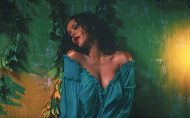 Vždy krásna Rihanna a Bryson Tiller tancujú s DJ-om Khaledom v novom letnom videosingli