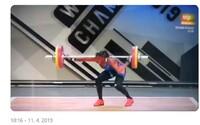 Vzpěračka si nešťastně zlomila ruku na dvou místech, když se snažila zvednout 110 kilogramů