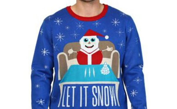 Walmart prodává svetr se Santa Clausem a s čárami kokainu. Bizarně zní i slogan Let It Snow