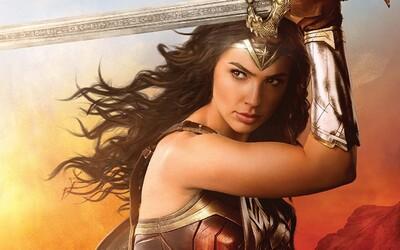 Warner Bros. oficiálne potvrdil, že Wonder Woman 2 zrežíruje Patty Jenkins. Na scenári pomôže aj tvorca The Expendables či Godzilly